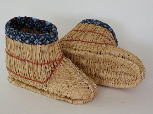 Japanese barley straw snow boots