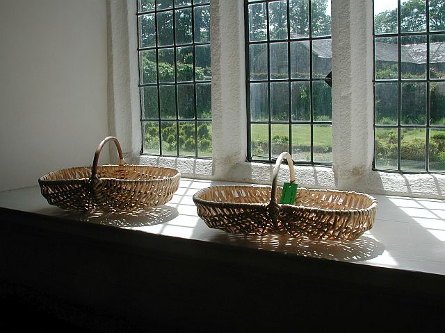 Lee Dalby's split white willow frame baskets