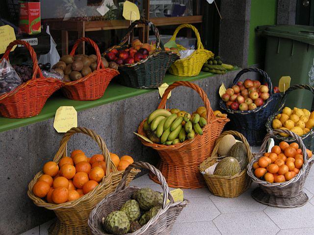 fruit shop baskets